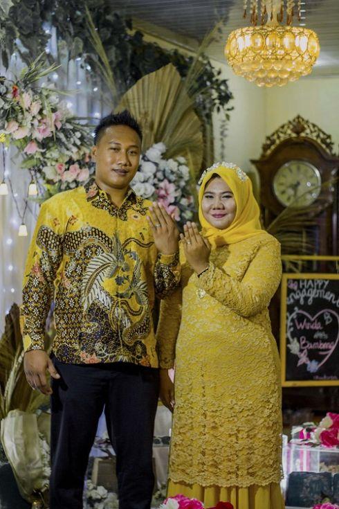 Engagement Yellow Style - Medan